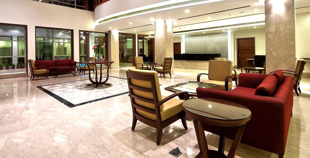 1485761756-Hotel_Golden3.jpg