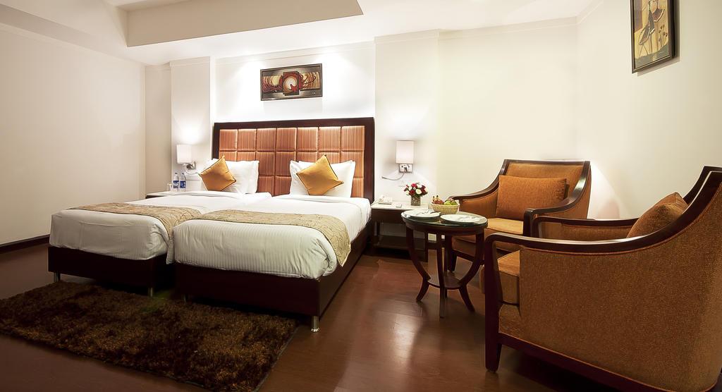 1485761756-Hotel_Golden4.jpg