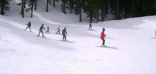 1486127472-Kausani-skiing.jpg