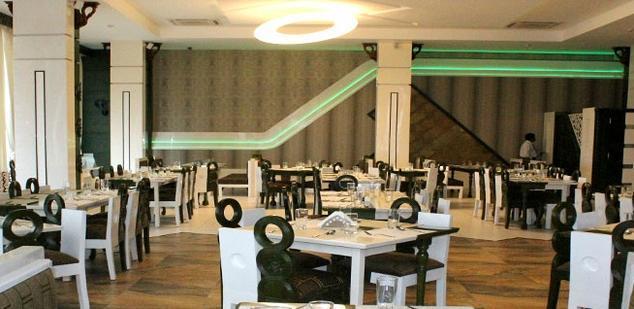 1487079427-Hotel_Holiday_Resort_10.jpg