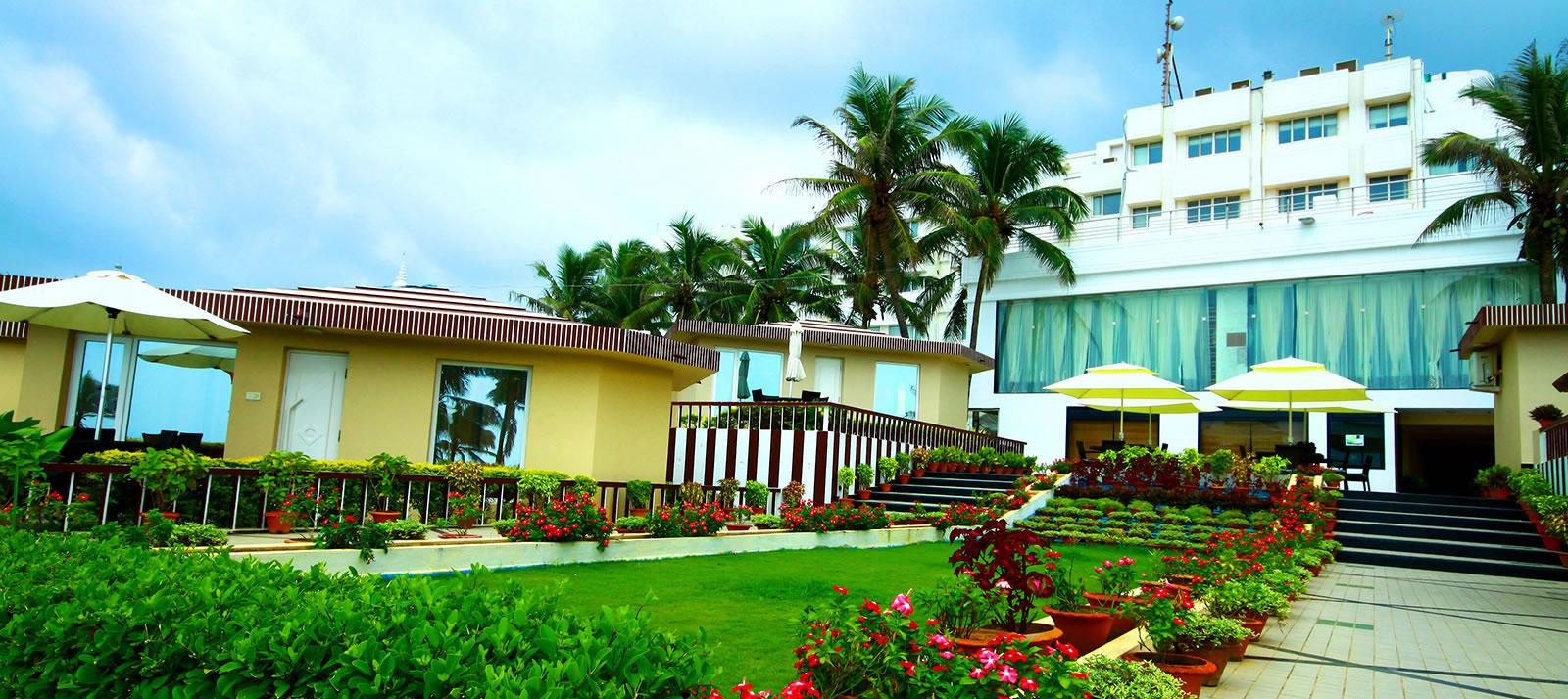 1487079427-Hotel_Holiday_Resort_2.jpg