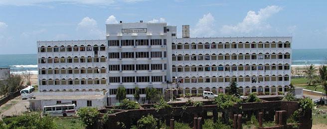 1487079427-Hotel_Holiday_Resort_3.jpg