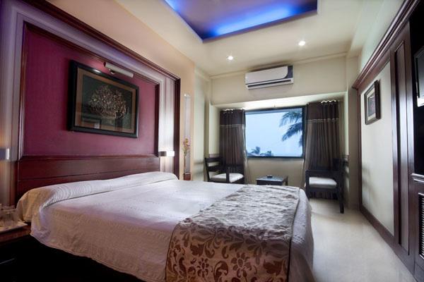 1487079427-Hotel_Holiday_Resort_7.jpg