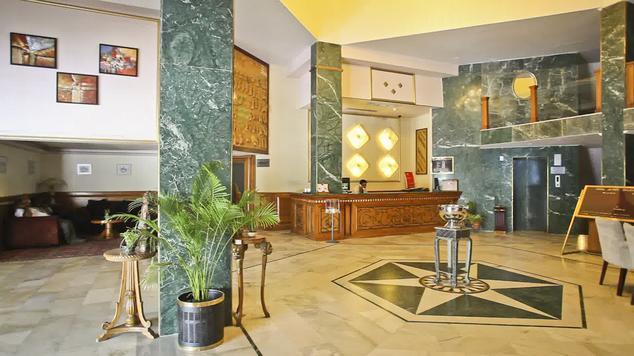1487164542-Jaipur_palace5.jpg