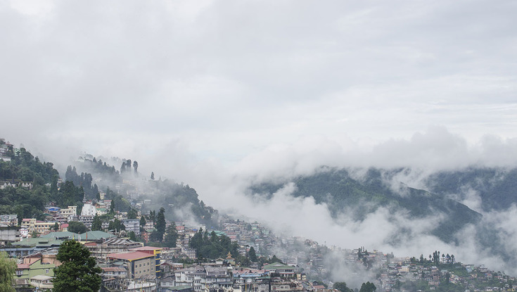 Darjeeling_view_from_Chowrasta_735x415.jpg